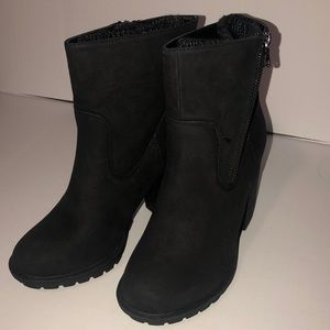 Just Fab Black with Built in warmers Booties